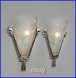 LARGE PAIR OF 1930 FRENCH ART DECO WALL SCONCES BY DEGUÉ. Lights muller era